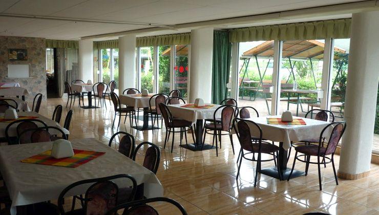 Gólyatábor - Siófok Ifjúsági Hotel - Tábor - étterem