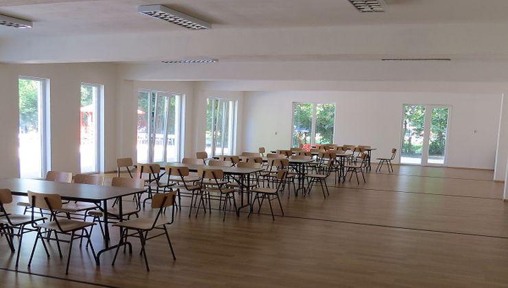 Gólyatábor helyszínek - Balatonszemes P. Ifjúsági Tábor - ebédlő