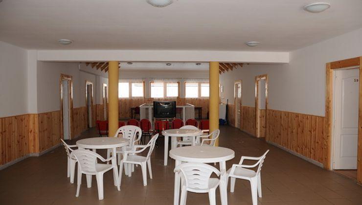 Gólyatábor helyszínek - Balatonszemes P. Ifjúsági Tábor - folyosó