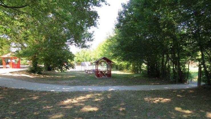 Gólyatábor helyszínek - Balatonszemes P. Ifjúsági Tábor - udvar