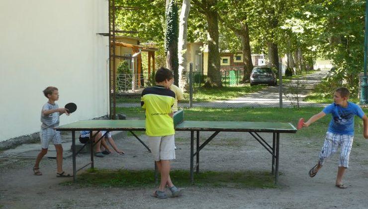 Gólyatábor - Fonyód Ifjúsági Tábor - udvar 2