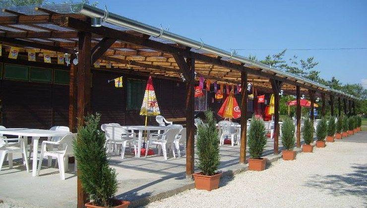 Gólyatábor - Balatonakali Ifjúsági Tábor - terasz