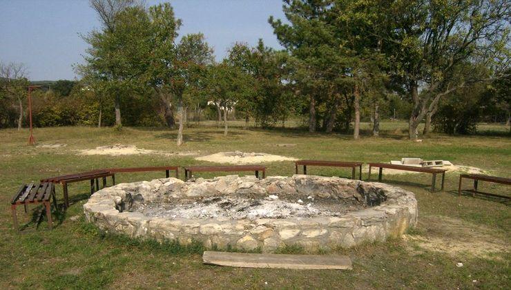 Gólyatábor - Balatonakali Ifjúsági Tábor - tűzrakóhely